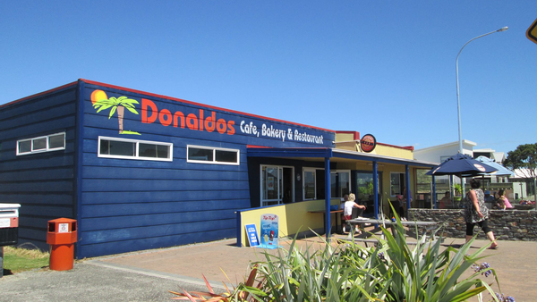 Dondaldo's cafe