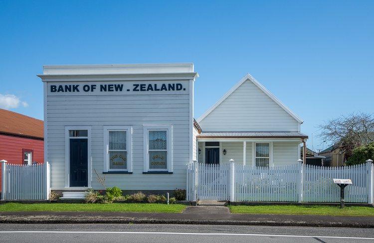 Bank of New Zealand - Theatre Royal Hotel.jpg