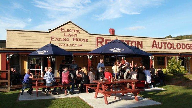 Dawsons Hotel at Reefton Auto Lodge outside