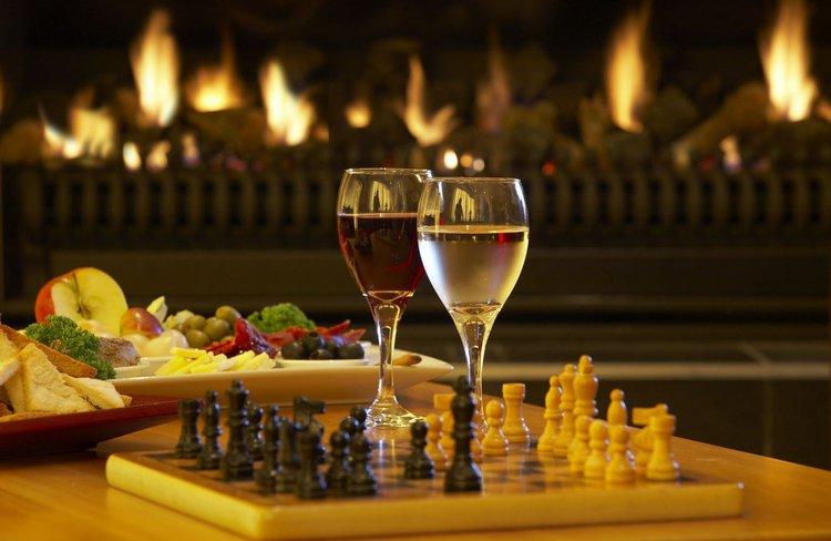 Distinction Hotel Fox Glacier - Lounge Fireplace