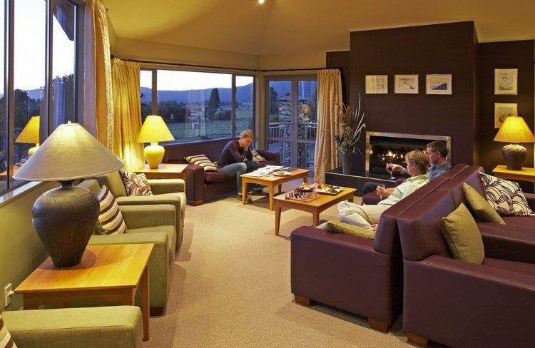 Distinction Hotel Fox Glacier - Guest Lounge