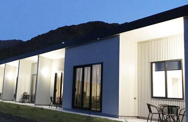 Glacier-Highway-Motel.JPG