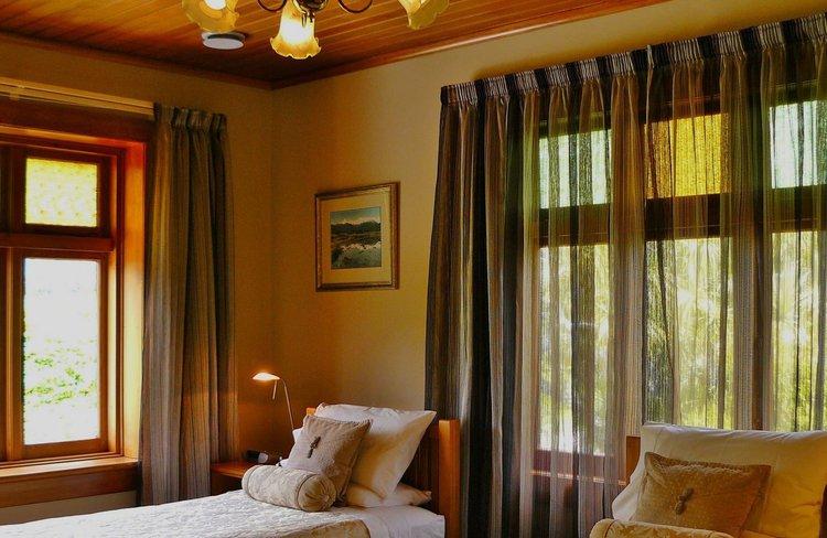 Holly Homestead - Bedroom.JPG