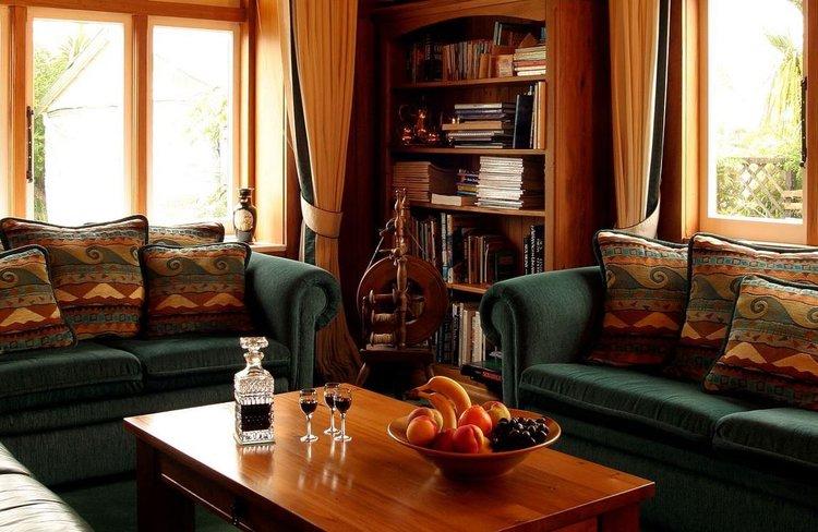 Holly Homestead - Living Room.JPG