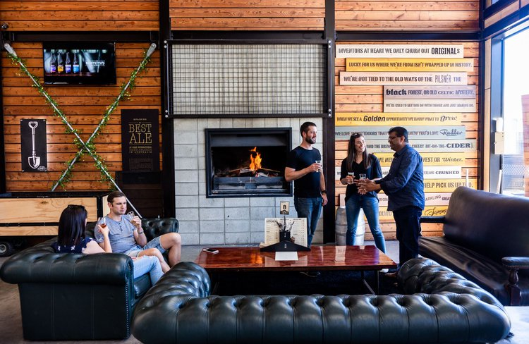 Monteiths-Brewing-Co-Lounge.JPG