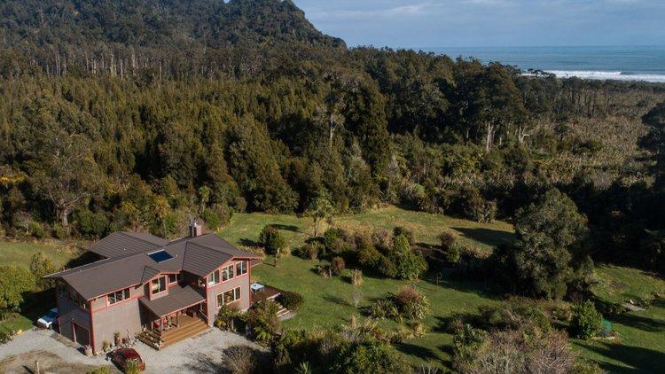 Paramata Lodge - Aerial View
