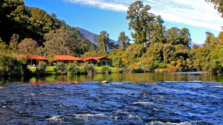 Wilderness Lodge Lake Moeraki.jpg