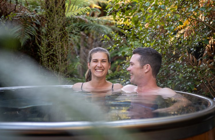 A gift for the senses, our experience lets you relax and unwind in private tubs, nestled in a lush rainforest setting.