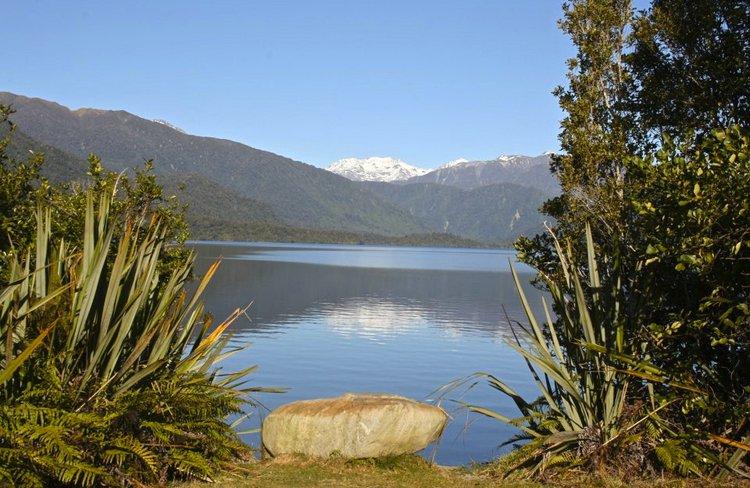 Lake Kaniere lookout.jpg