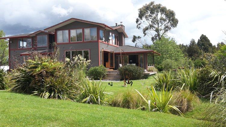 Tranquil Paramata Lodge on the West Coast, South Island