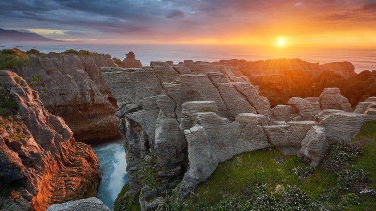 Punakaiki Pancake Rocks & Blow Holes