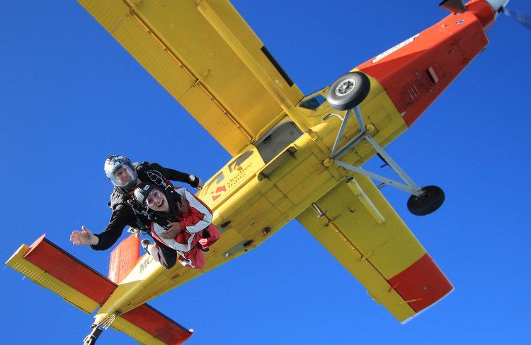 New Zealand's highest tandem skydive 20,000ft at Skydive Franz