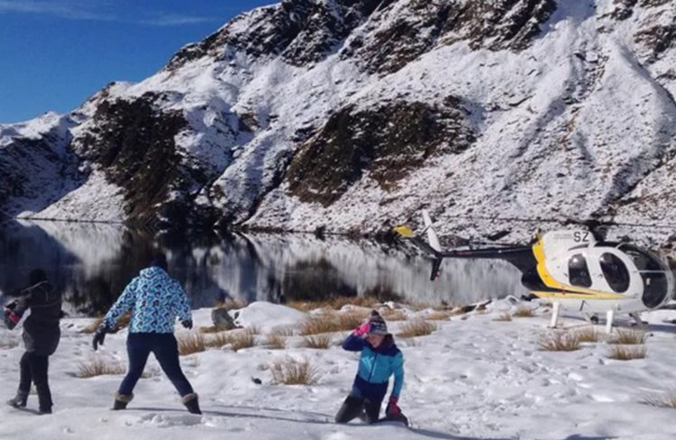 For the Ultimate day out in the snow, let us take you to remote Glaciers and Mountain lakes.