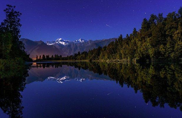 shooting star over lake matheson.jpg