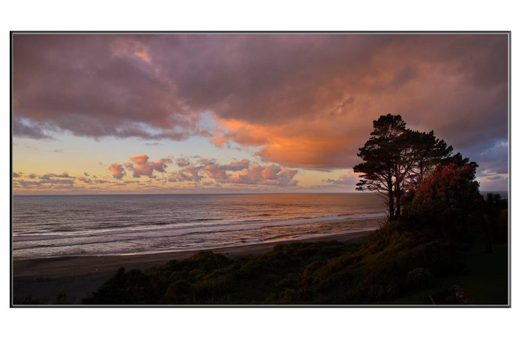 summer sunset glow in the sky Breakers Boutique accommodation Greymouth